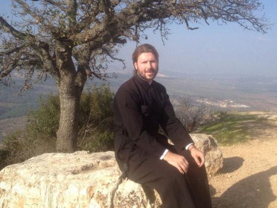 """""""МК"""" в Питере"""" выяснил, как обвиненному в педофилии отцу Глебу Грозовскому живется в Израиле"""