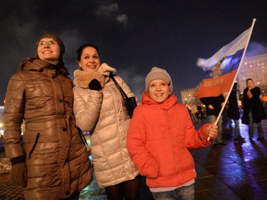 Крым продолжает гнать рейтинг Путина ввысь