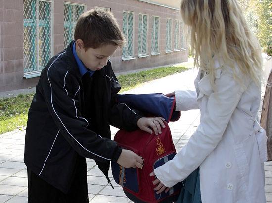 Инновационный гаджет, призванный обезопасить детей, проходит тестирование в одной из столичных школ
