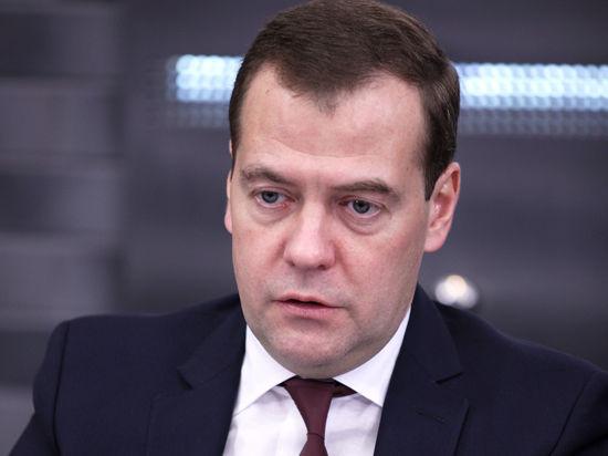 Медведев поддержал своих производителей сельхозтехники