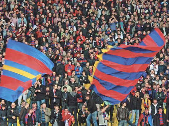 Фанаты ЦСКА объявили в розыск тренера