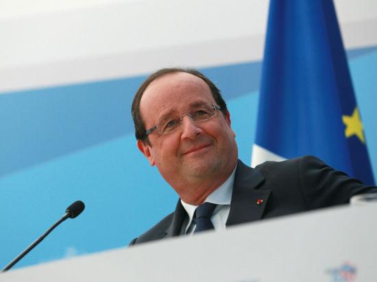 А президент Олланд пообещал через три года начать снижать налоги