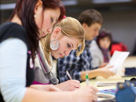 Московских учащихся обещают сделать свободными, ответственными и грамотными