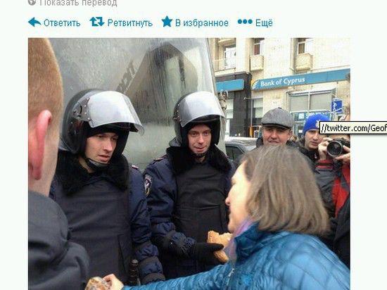 Виктория Нуланд посетила лагерь демонстрантов в центре Киева
