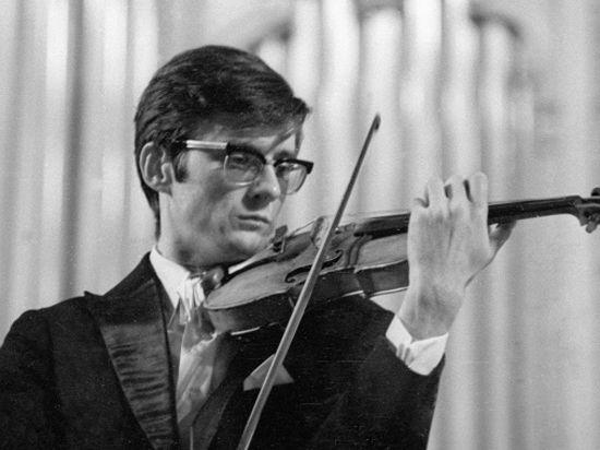 Украинский скрипач Олег Крыса попал в аварию в США, его супруга-пианистка погибла