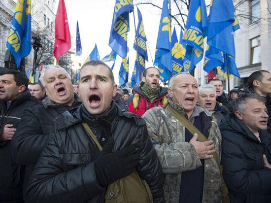 Евроукраинцы заблокировали Верховную Раду, а Майдан перекрыли баррикадами