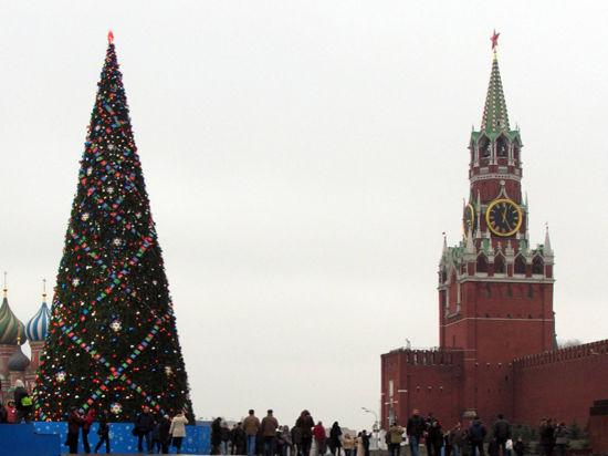 На кремлевской елке поместится полтора километра гирлянд