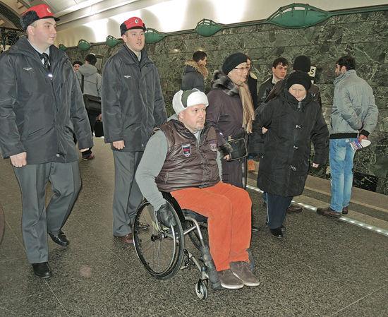 В столичном метро занялись эскортом