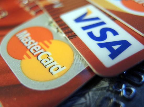 Путин предложил россиянам отказаться от карт Visa и Mastercard