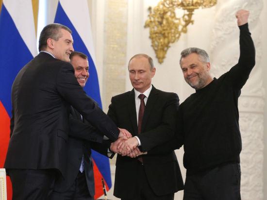 Свитер Чалого. Почему мэр Севастополя подписывал договор с Россией «не одетым»
