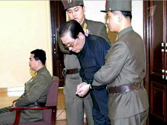 Вместе с дядей Ким Чен Ына казнили семерых его помощников
