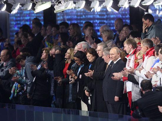 Закрытие Олимпиады: овации Ану, возвращение Плющенко и шампанское от Путина