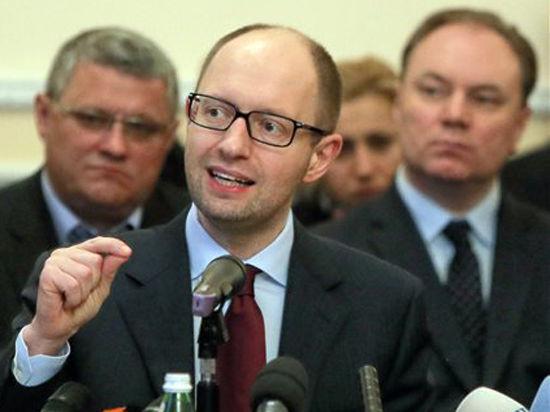 Яценюк: Россия намерена развязать Третью мировую войну