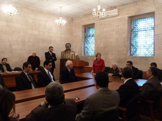 Египтяне открыли в Москве памятник писателю Тахе Хусейну
