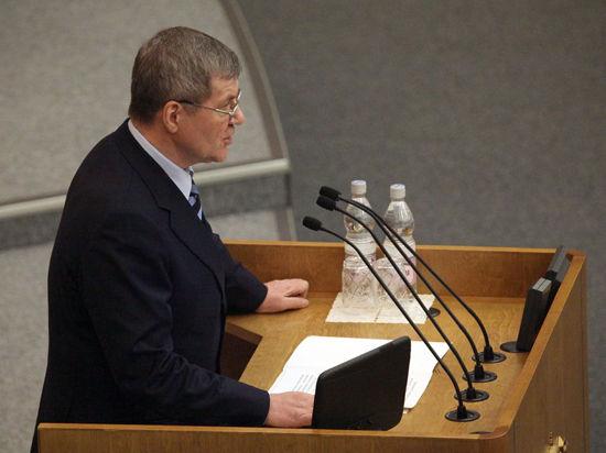 Генпрокурор Чайка раскритиковал борьбу МВД с коррупцией в сфере ЖКХ