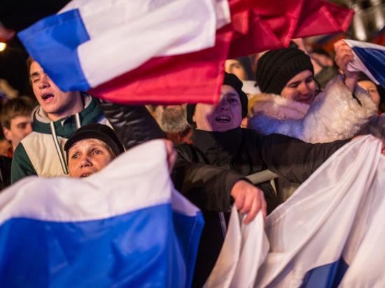 Киев не может смириться с потерей Крыма, но ограничивается заявлениями