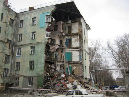 У пятиэтажки обрушилась стена туалетов