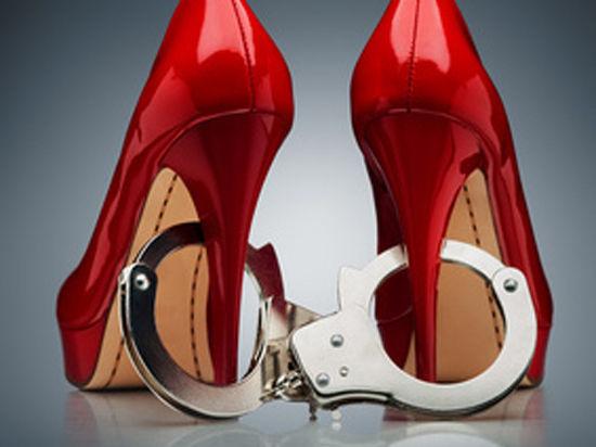 Адвокатам запретили оказывать заключенным интимные услуги
