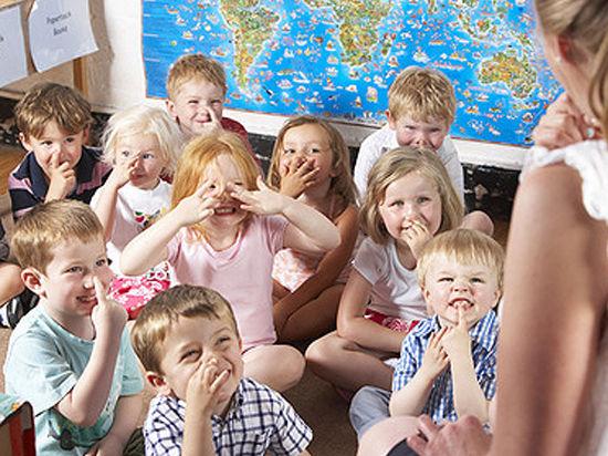Родителей малышей будут пускать в детский сад по электронной карте