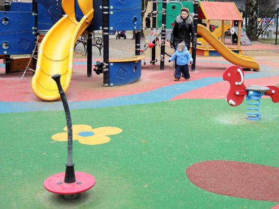 Детские площадки поднимутся над землей