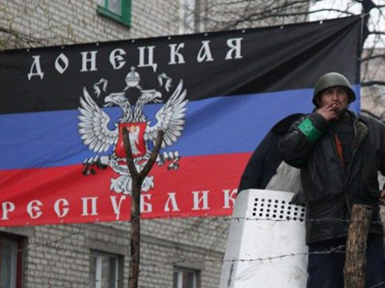 Неизвестные обстреляли вертолет украинской армии в Краматорске