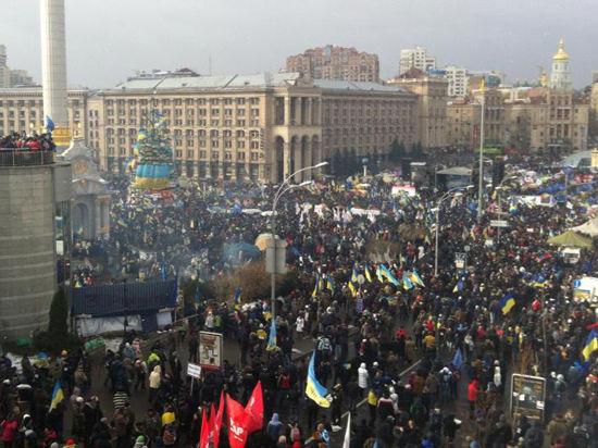 Происходящее в Киеве  может расколоть Украину на два лагеря