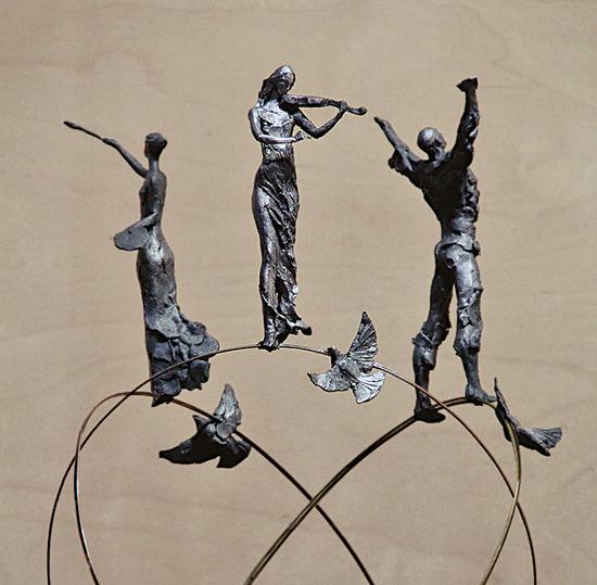 В районе установят скульптуру «юных талантов»