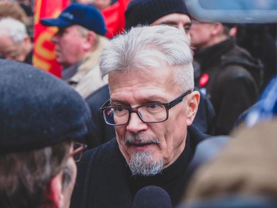 Лимонов пересмотрел итоги приватизации на митинге и не попал в полицию