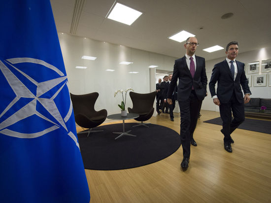 НАТО посылает авиацию к границам Украины
