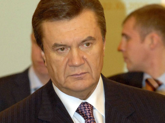 Янукович обратился к народу: Давайте все решим мирно