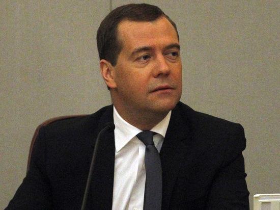 Медведев решил заняться малым бизнесом. Не поздно ли?