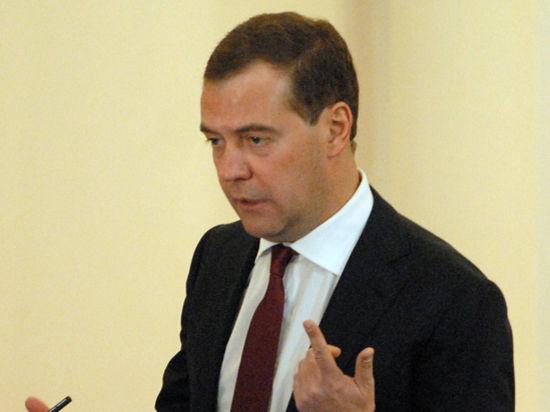 Медведев: «Мутко бдит над деньгами!»
