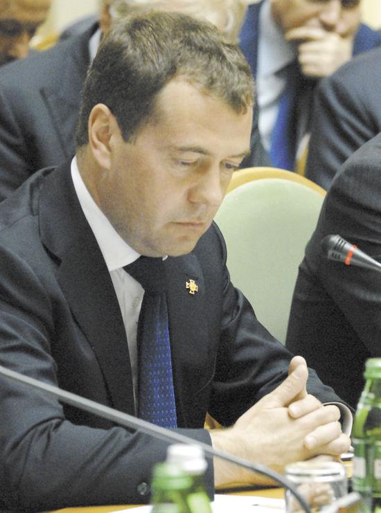 «Последнее китайское» Медведеву. Путин намекнул в послании на провал Штирлица