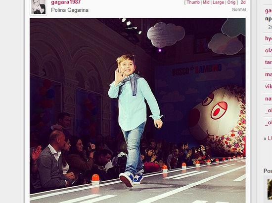 Сын певицы Полины Гагариной впервые прошелся по подиуму