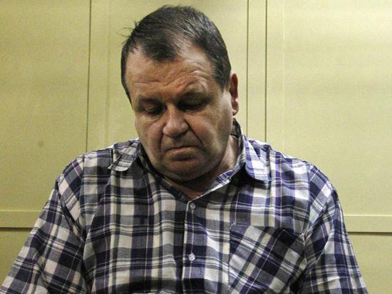 Услышав требования прокурора, авиадебошир Кабалов потерял дар речи