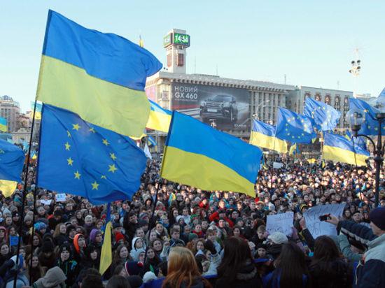 Проевропейская оппозиция выдвинула ультиматум об отставке правительства и открещивается от наемных погромщиков