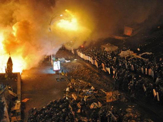 Украина в огне и обещаниях: Янукович и оппозиция договорились о перемирии; в регионах продолжается захват власти. Онлайн-трансляция