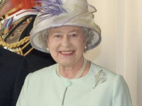Елизавета II велела охранникам Букингемского дворца убрать «грязные руки» от её орешков