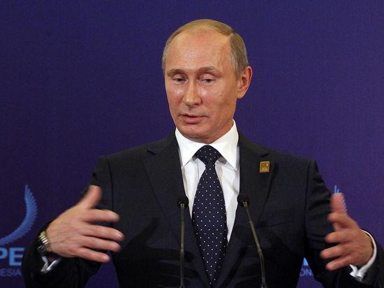 Путин увеличил зарплату себе и Медведеву почти втрое