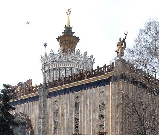 Разваливающуюся «Украину» восстановят на средства Москвы