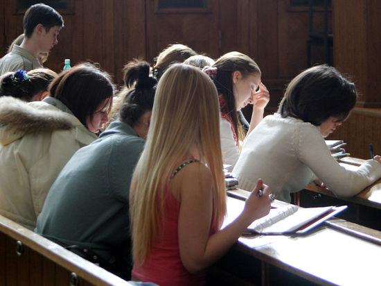 Вузам запретят наживаться на студентах