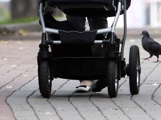 В Екатеринбурге против матери, толкнувшей коляску с ребенком на рельсы метро, могут возбудить уголовное дело