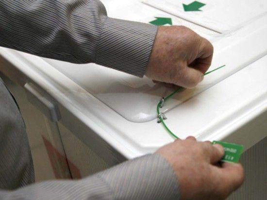 Удар Локтя: кандидат КПРФ лидирует на выборах в Новосибирске