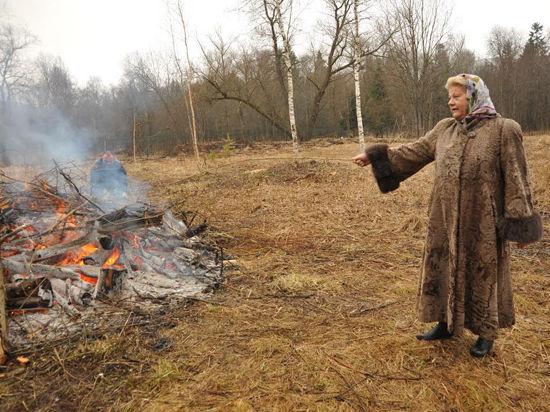 Ирине Муравьевой пришлось убирать мусор у царского дворца