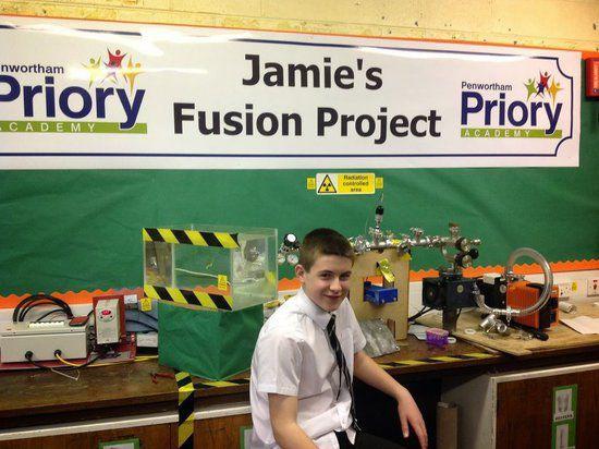 13-летний вундеркинд на уроке смастерил с нуля действующий ядерный реактор