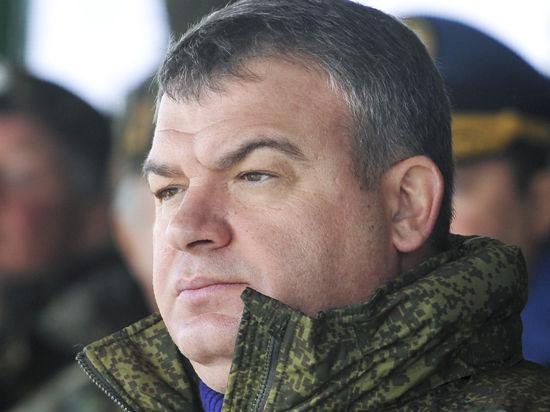 Интрига амнистии: Сердюкову нужно либо притвориться беременной, либо доказать, что у него есть заслуги перед отечеством