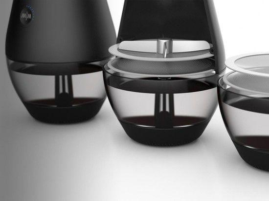 Изобретена чудо-машина, которая из воды вино гонит