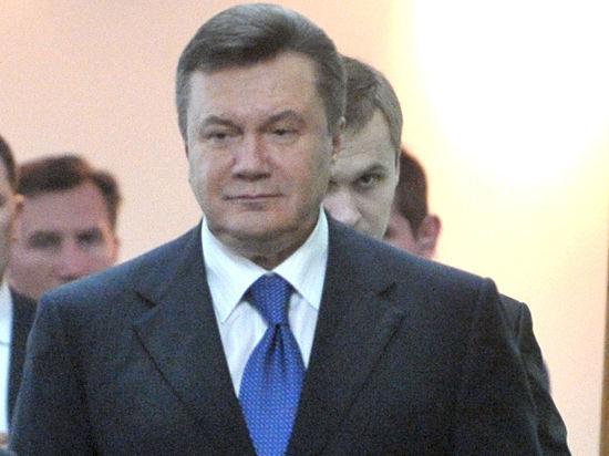 Янукович прилетел в Ростов-на-Дону, но вместо пресс-конференции написал обращение
