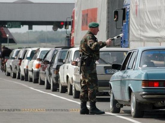 Украина отказалась от решения полностью закрыть въезд в страну российским мужчинам