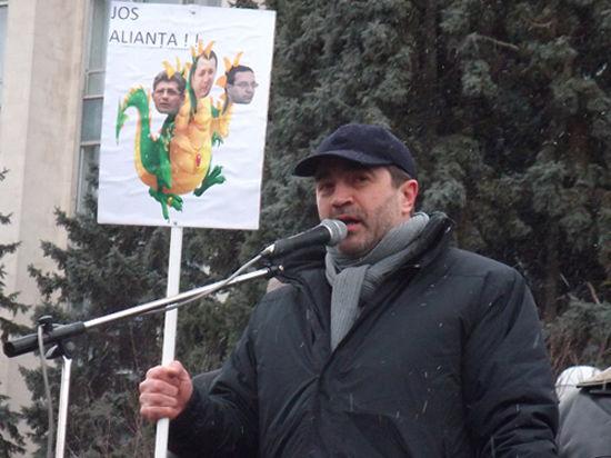 Юрий Рошка: «Траян Бэсеску - эксцентричный и безответственный политик. Имею несчастье знать его лично»